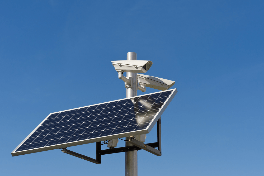 solar panel security camera-min